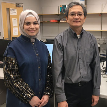 Laurier professor Chính Hoàng supports Syrian student as a former refugee